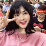 Nữ CĐV xinh đẹp khóa Facebook sau trận Việt Nam – Afghanistan